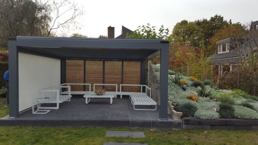 Pergola an Deck in den Niederlanden